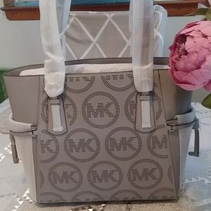 Michael Kors Bags - Michael Kors Voyager East West Leather Tote